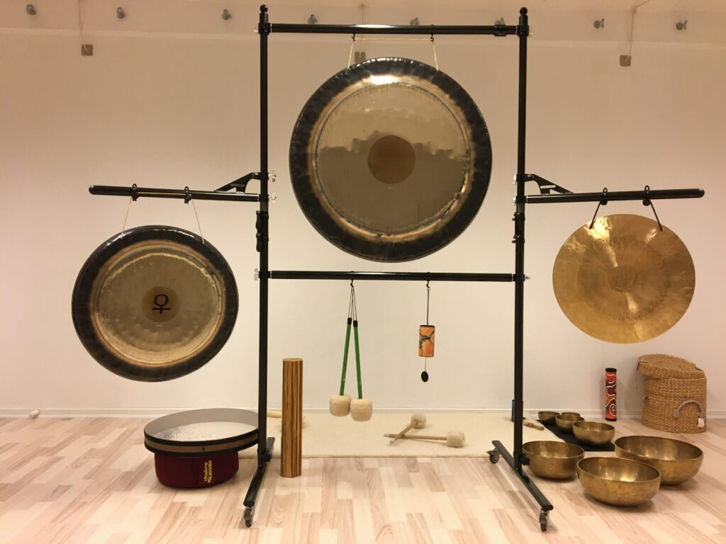 Global Gong Stand